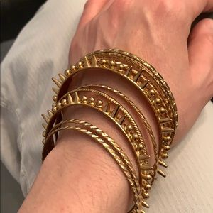 Jewelry - Set of 9 gold bangles